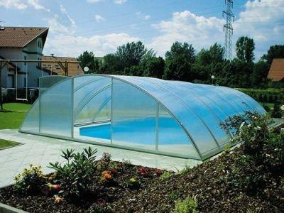 Установка пластикового бассейна на даче, нужны ли павильоны для бассейнов