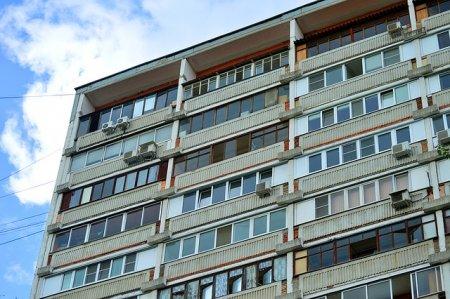 Плюсы остекления балконов и лоджий пластиковыми стеклопрофилями