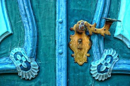 Выбор фурнитуры для входной двери