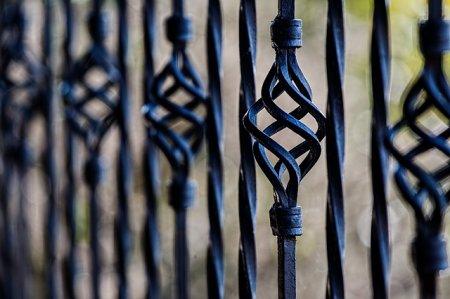 Кованные ворота и калитки: и надежно, и красиво