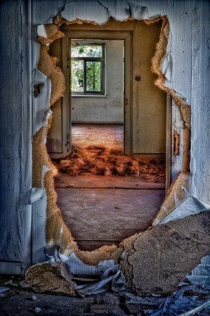 Основные поломки межкомнатных дверей