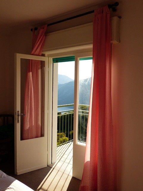 Утепляем балконную дверь